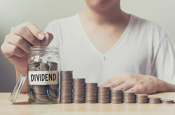 RISING DIVIDEND ANALYST: AMGEN HAS HEALTHY CASH FLOW